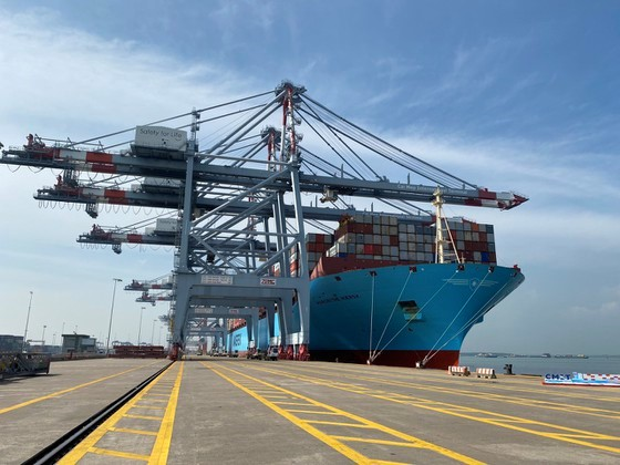 Cai Mep International Port welcomes the largest ship ever